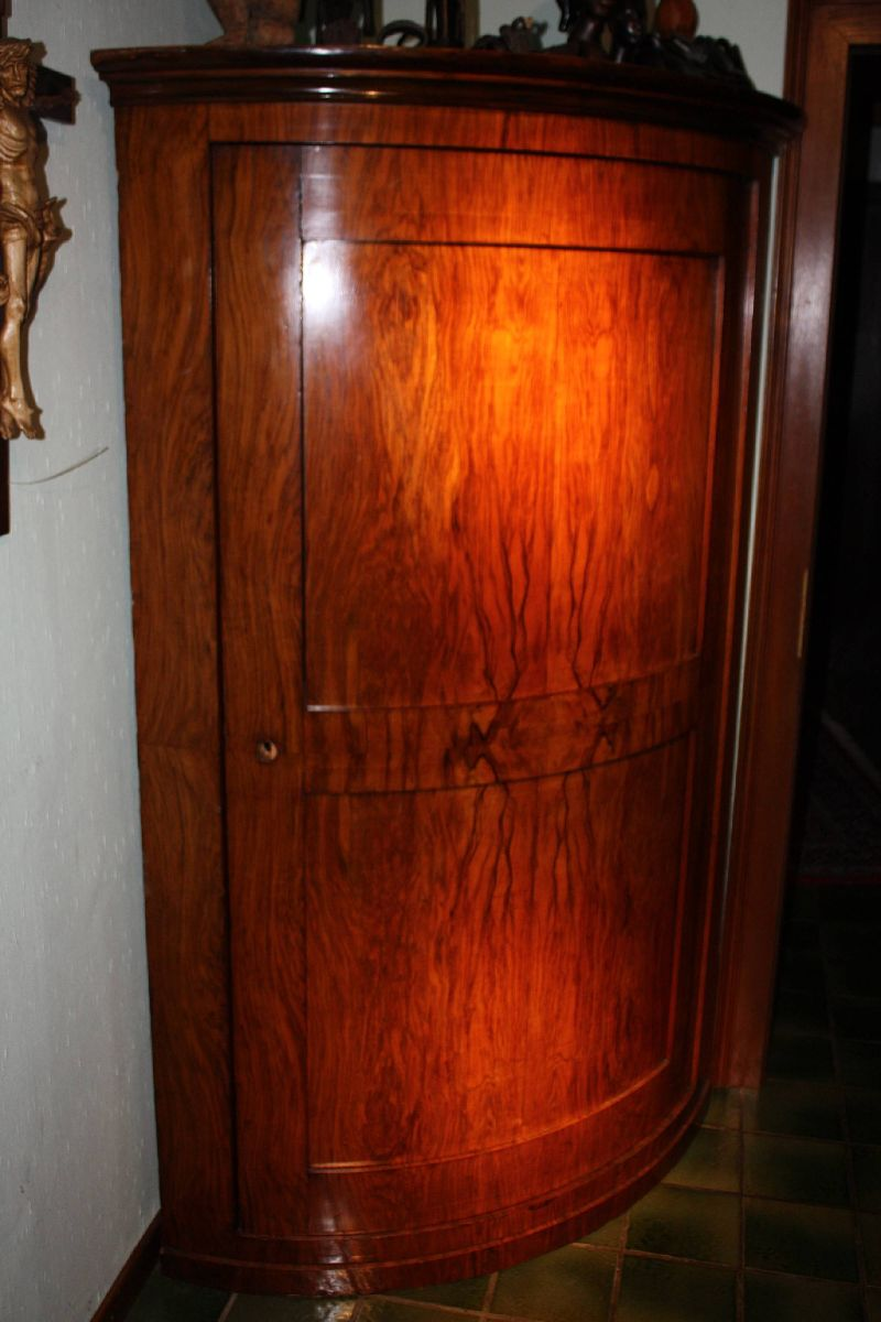 Georgian walnut burl wood veneer corner cabinet cupboard