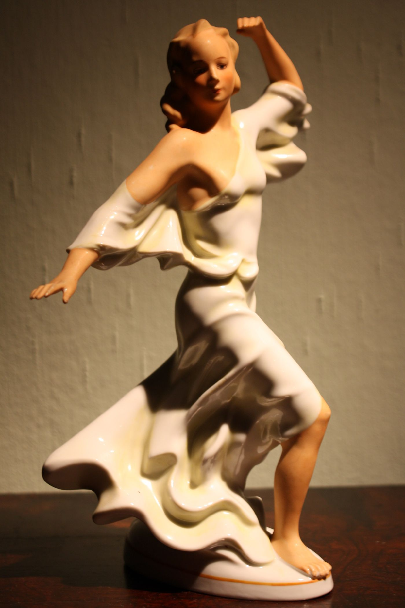 A fine vintage 1930's Austrian or German porcelain sculpture of a dancing girl