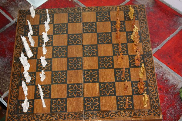 1920's Chinese handcarved ivory chess game with wooden case