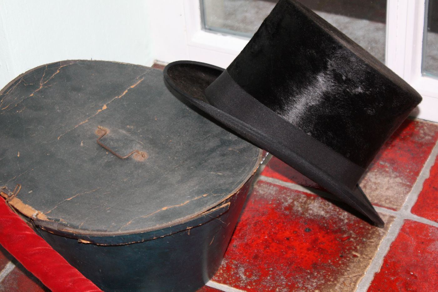 Real antique 1880's Top Hat with box